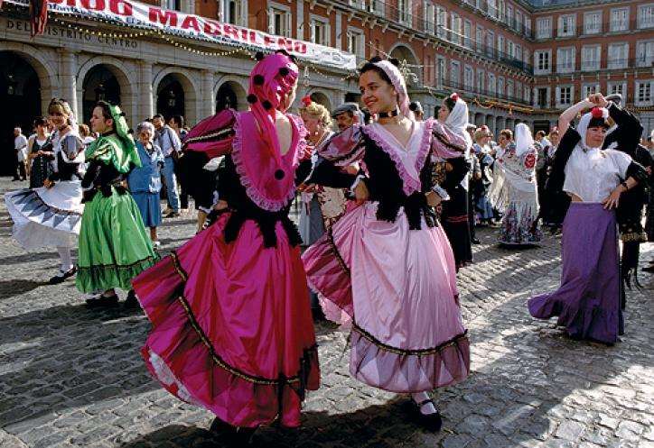 foto San Cayetano, San Lorenzo si la Paloma (The San Cayetano, San Lorenzo and Virgen de la Paloma festivals)