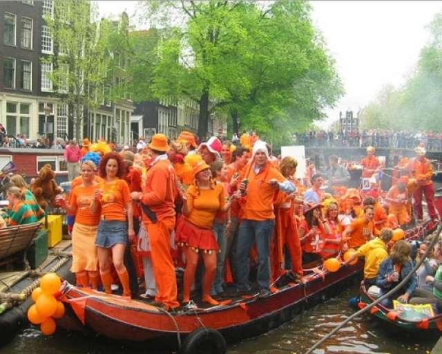 foto Ziua Regelui Olandei - Amsterdam (King's Day in Amsterdam)