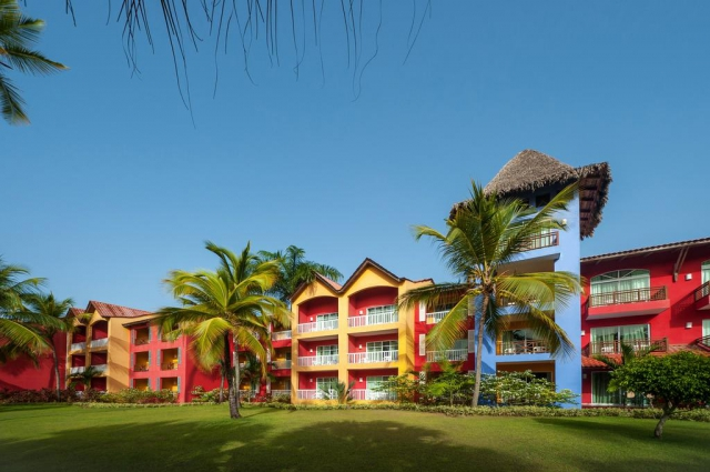 REP. DOMINICANA Deals - CARIBE CLUB PRINCESS 4*SUP. All Inclusive! Zbor inclus din Madrid TAXE INCLUSE!