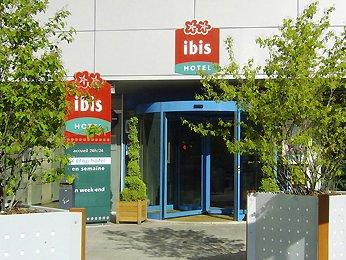 oferta sejur paris ibis paris porte de bercy 4 nopti. Black Bedroom Furniture Sets. Home Design Ideas