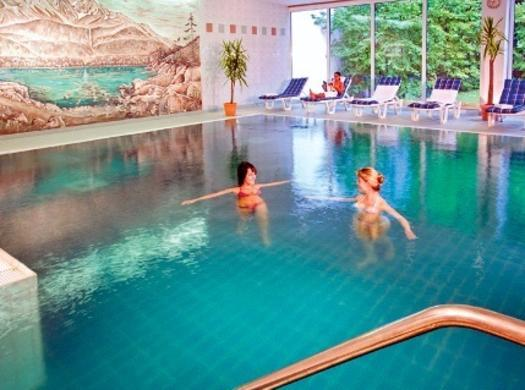 Cazare hotel mercure garmisch partenkirchen oferte for Cazare cu piscina interioara valea prahovei
