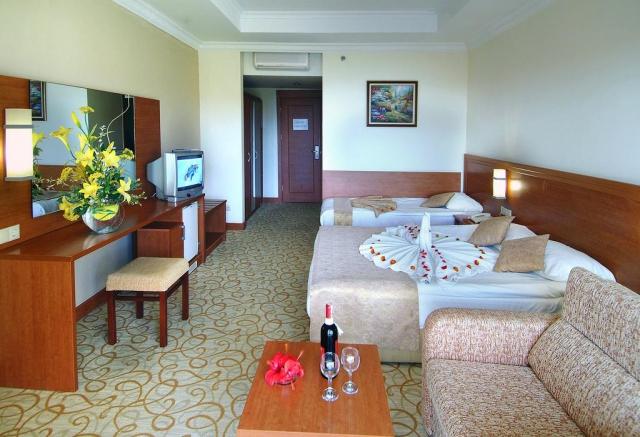 Super Reducere Last Minute Antalya din Bucuresti 5* UAI de la doar 499 Euro/persoana!