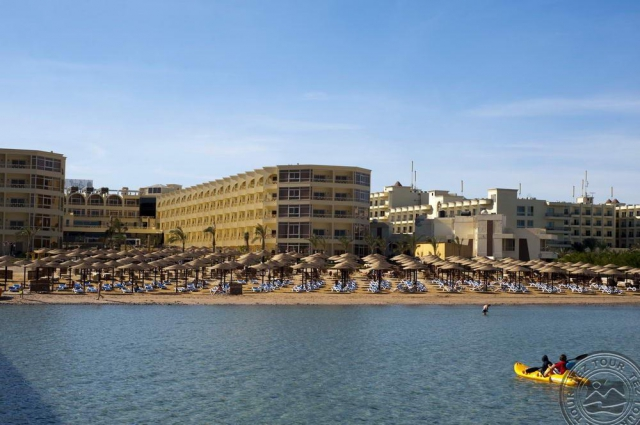 SUPER OFERTA HURGHADA din BUCURESTI: AMC ROYAL HOTELS AND SPA 5*, la 463 €/persoana. Totate taxele incluse