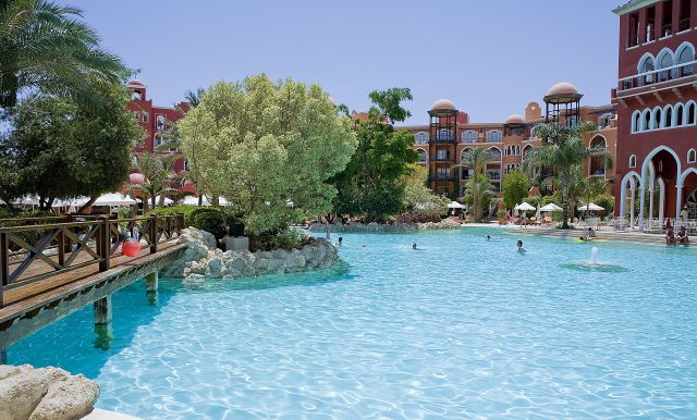 SUPER OFERTA HURGHADA din BUCURESTI: RED SEA GRAND RESORT 5*, la 480 €/persoana. Totate taxele incluse