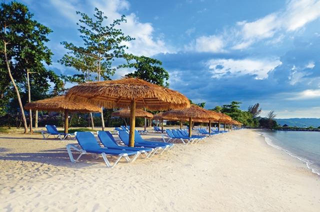 REP. DOMINICANA Deals - Sunscape Bávaro Beach 5***** All Inclusive SUPER OFERTA! Zbor inclus din Madrid TAXE INCLUSE!