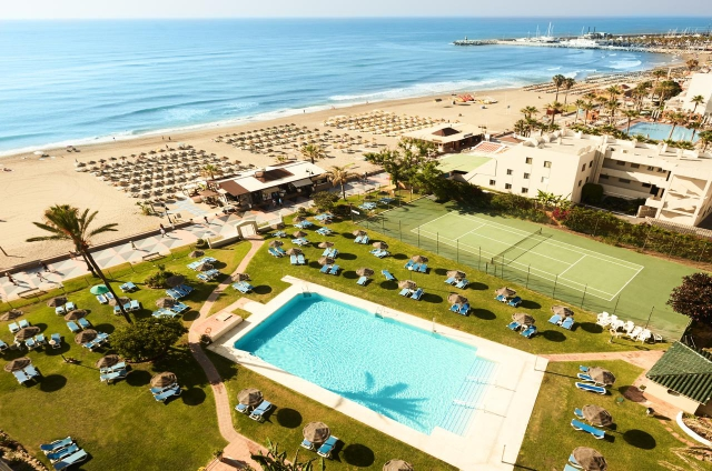 Vine primavara la Costa del Sol - H.La Barracuda  3*/mic dejun, bilet avion, taxe incluse la doar 309€/persoana